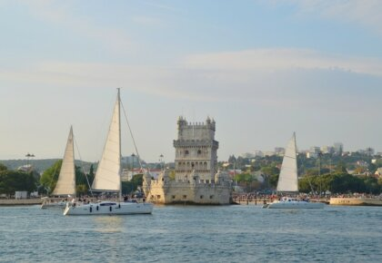 Lisbon sightseeing by sailing boat. Lisbon boat tours