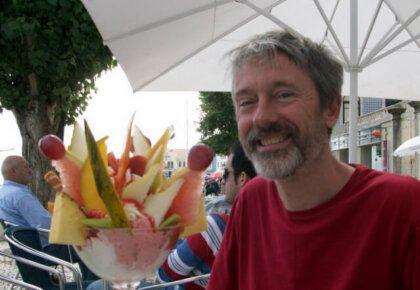 Mike with a massive 'copa primaveira' ice cream sundae in Figueira da Foz