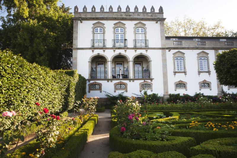 gardens at Casa da Ínsua hotel