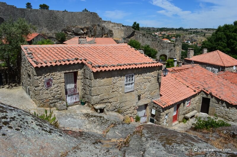 Traditional houses, Sortelha