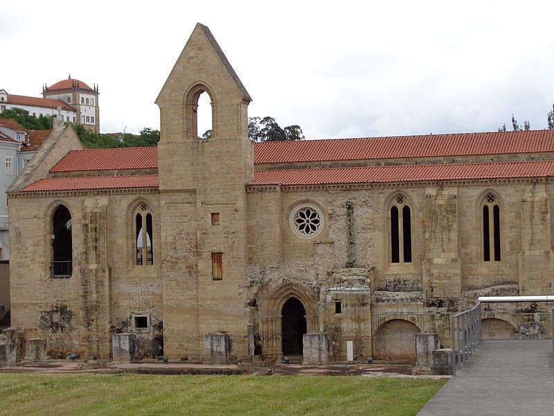 Santa Clara-a-Velha Monastery © Carolyn Miller