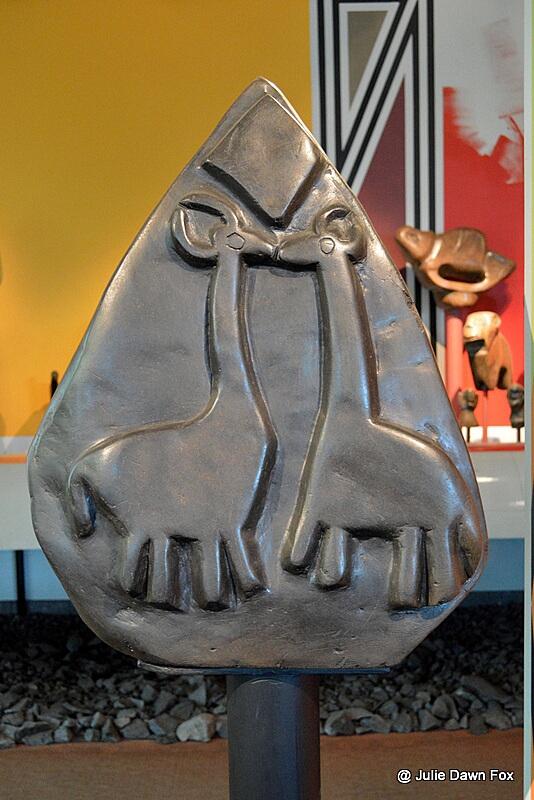 Kissing giraffes, Zimbabwe stone sculpture
