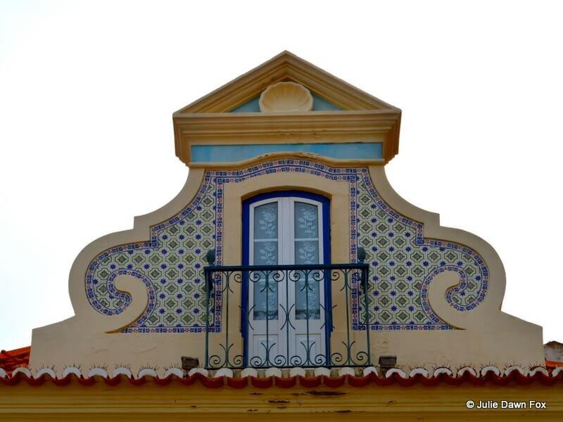 Pretty window, Sesimbra, Portugal