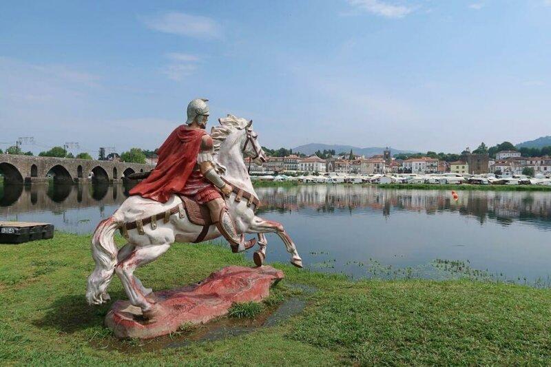 Roman commander calling his troops across the River Lima, Ponte de Lima