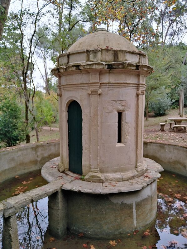 Charolina fountain, Mata Nacional dos Sete Montes, Tomar, Portugal