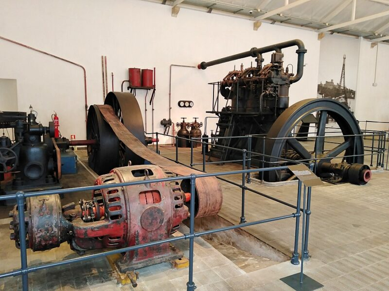 Power station machinery, Levada de Tomar