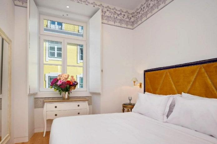 A bedroom at the Residentas Aurea, Lisbon